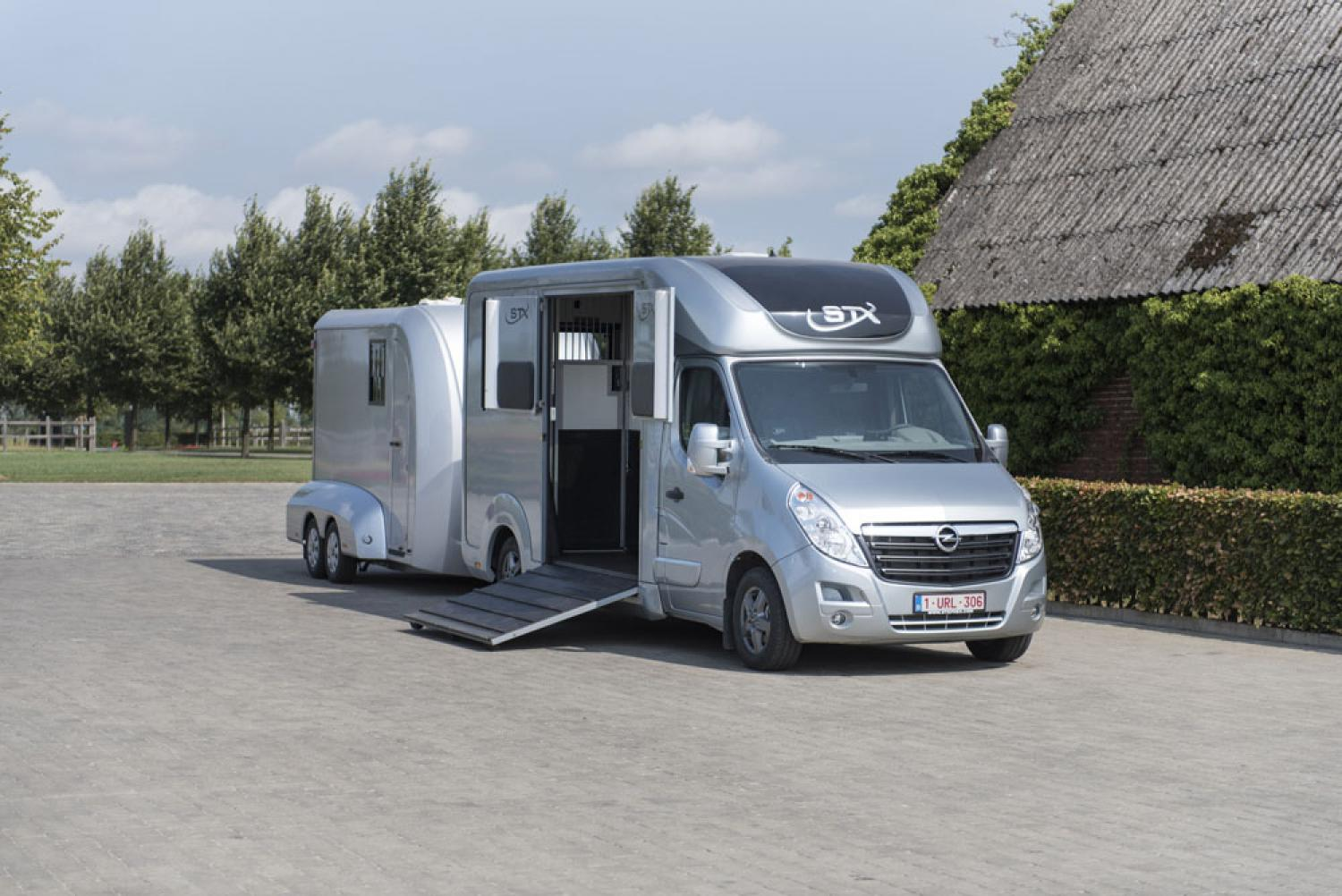 Van stx stephex en stalle version haras